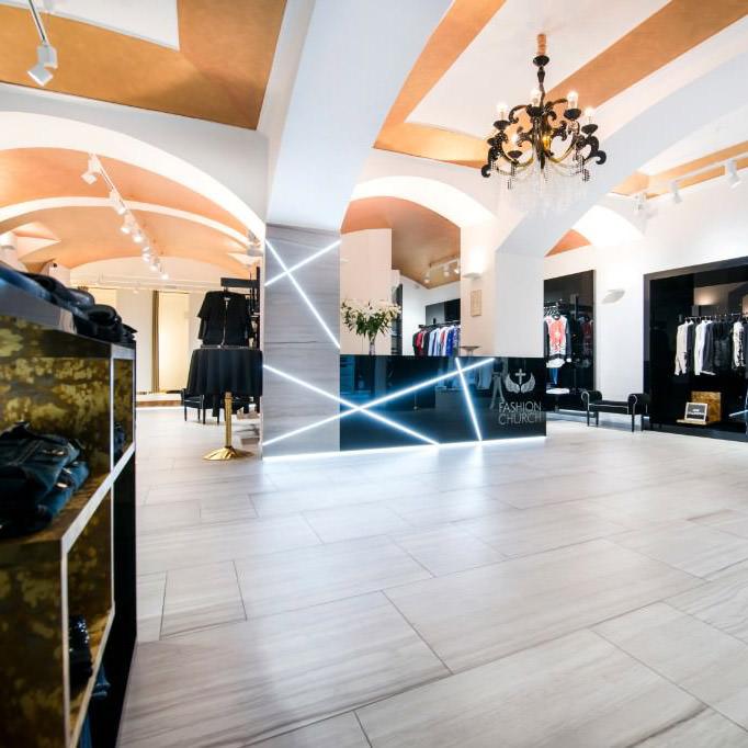 Fashion-Church-luxusni-butik-Zelezna-Praha-4
